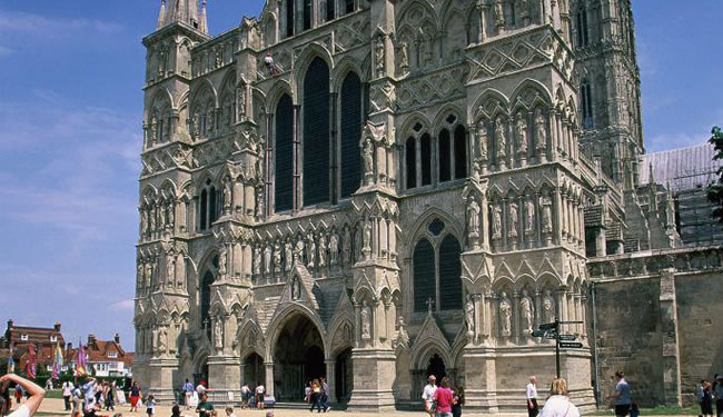 Magna Carta Gala Weekend at Salisbury Cathedral 650x375